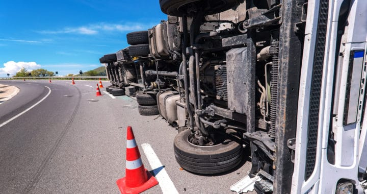 Man Dead, 1 Injured in Big Rig Crash on Interstate 5 near Sperry Avenue [Patterson, CA]