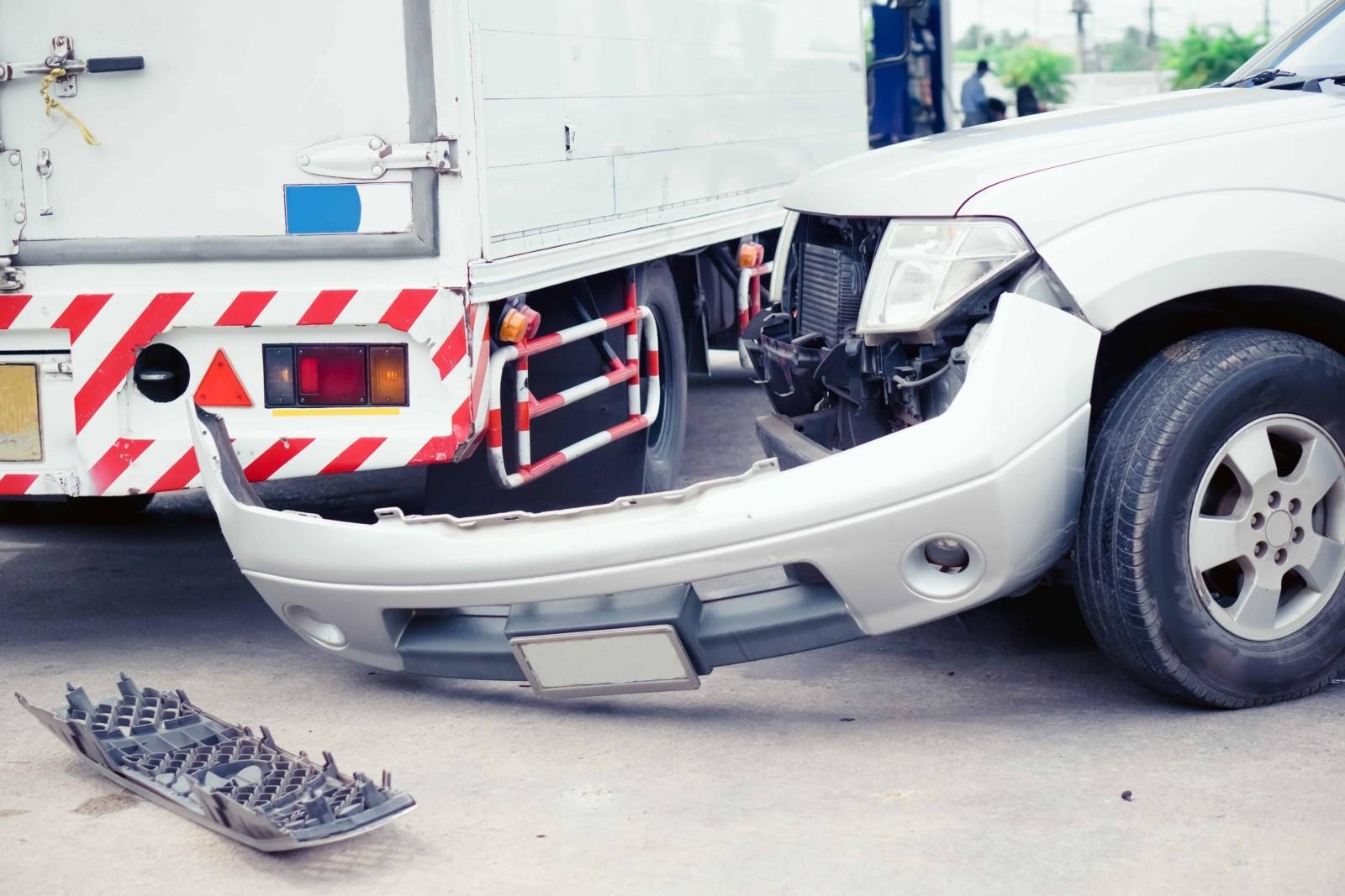 Injury in Highway 1 SUV-Garbage Truck Crash [Pacifica, CA]