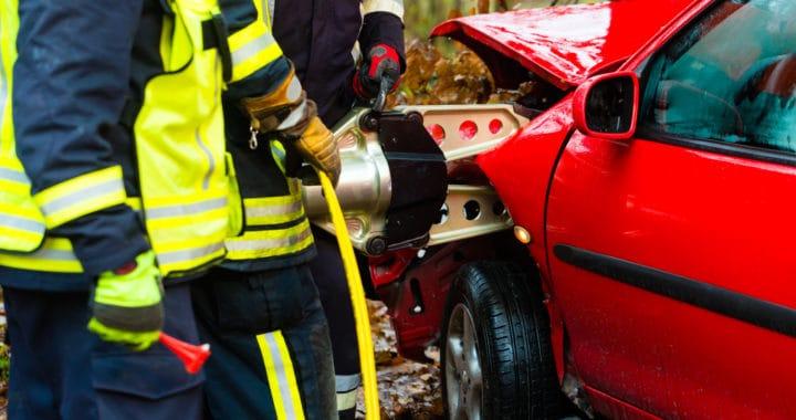 3 People Injured in Crash on 11500 San Vicente Boulevard [Los Angeles, CA]