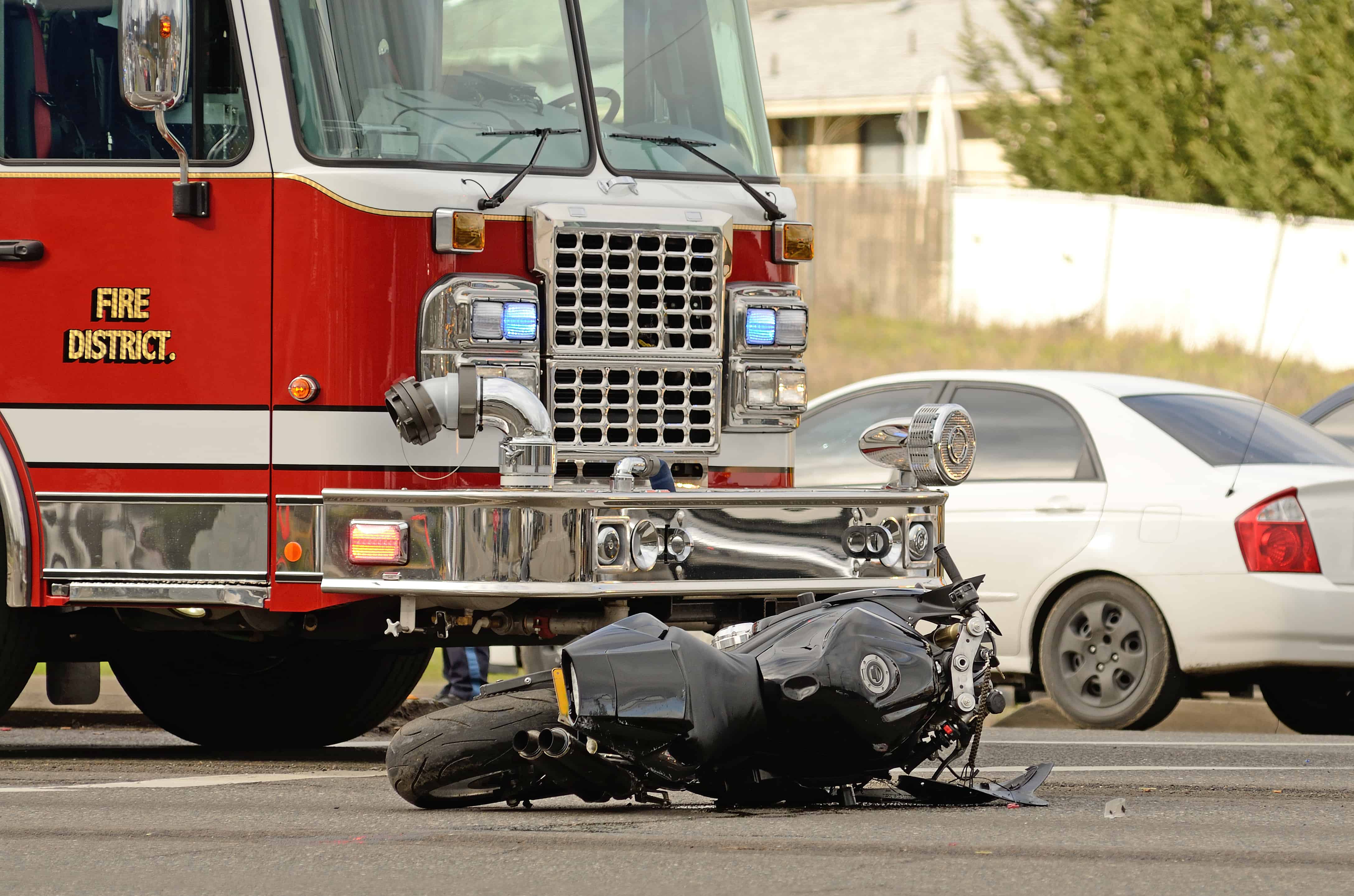 1 Killed, 2 Injured in Motorcycles VS Truck Crash on 38th Avenue and Bethany Home Road [Phoenix, AZ]