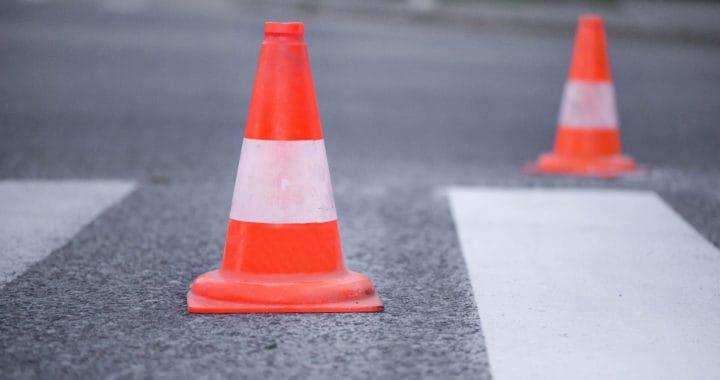 2 Hurt in Two-Car Crash on The Old Road [Santa Clarita, CA]