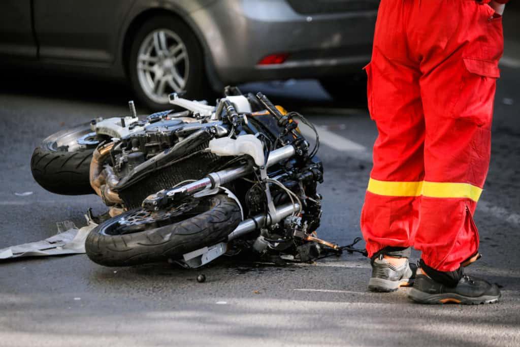 2 People Injured in 3-Vehicle Crash on 101 Freeway [Los Angeles, CA]