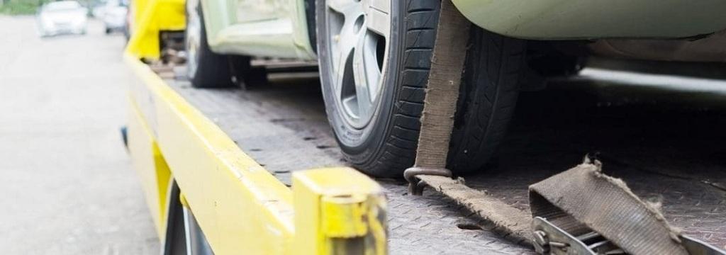 1 Dies 3 Seriously Hurt in Head-On Crash on Hesperia Road [Hesperia, CA]