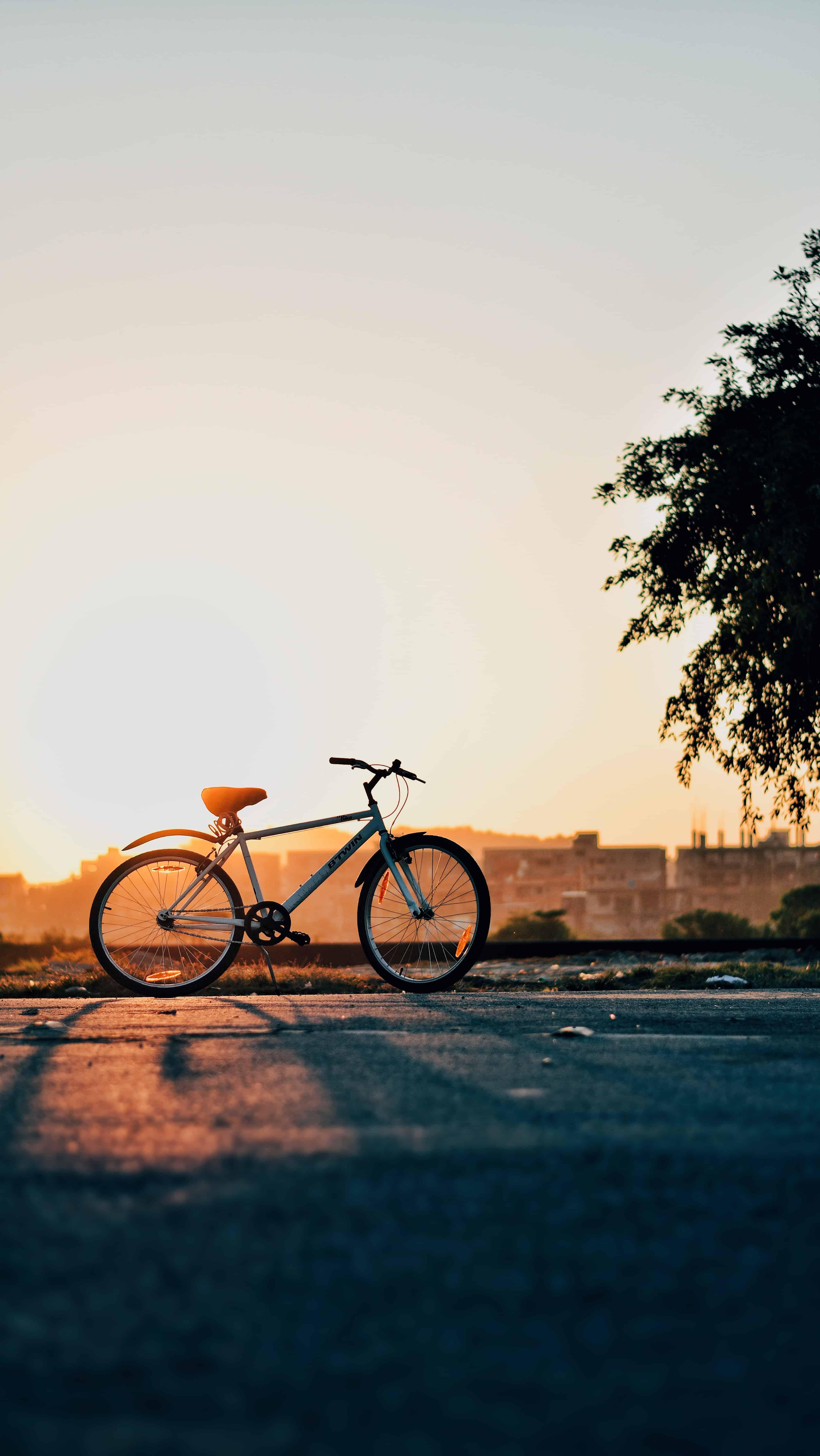Male Bicyclist Injured in East 5th Street Crash [Oxnard, CA]