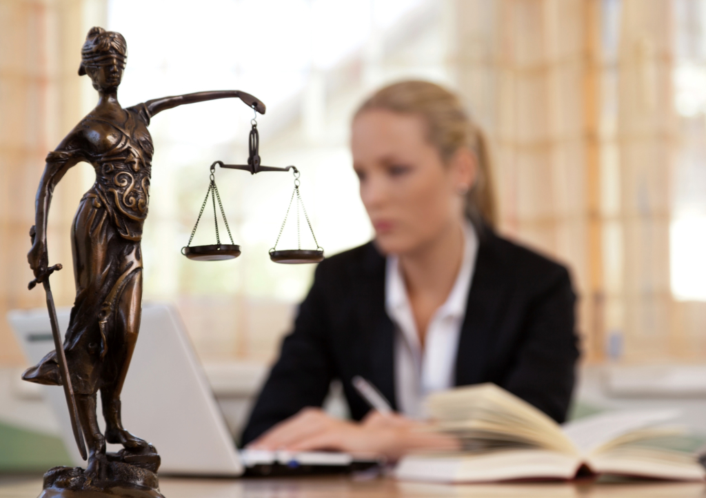 personal injury lawyer compare